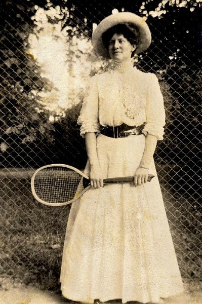 Dame mit Tennisschläger